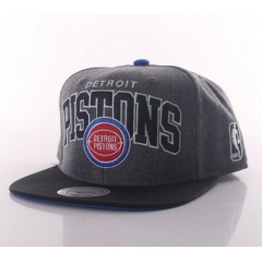 MITCHELL & NESS Arch with logo G2 snapback Detroit Pistons